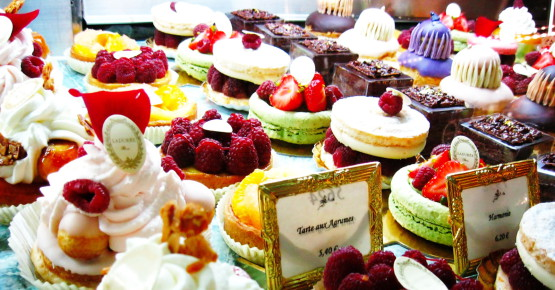 laduree-cake-army-1